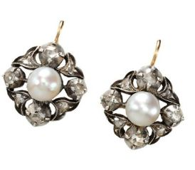 Pearl Earrings ca 1800.jpg